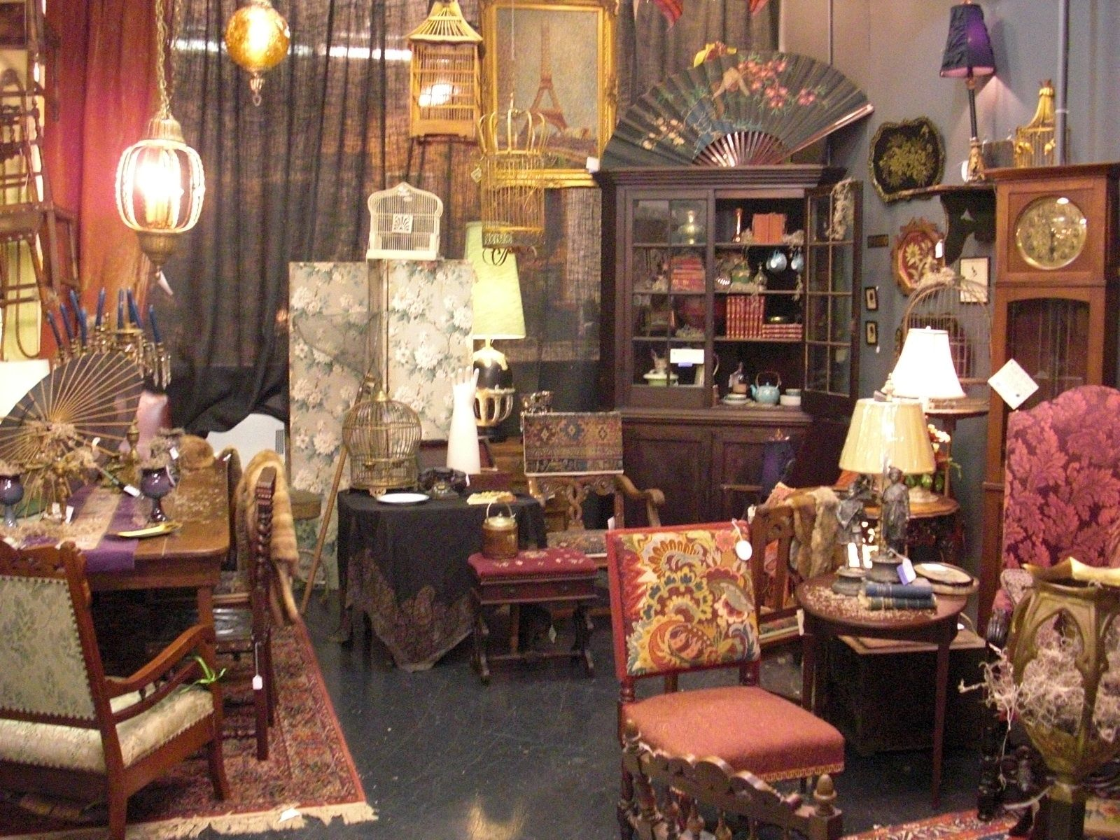 Gas Lamp Antiques Addams Family House Family Living Rooms