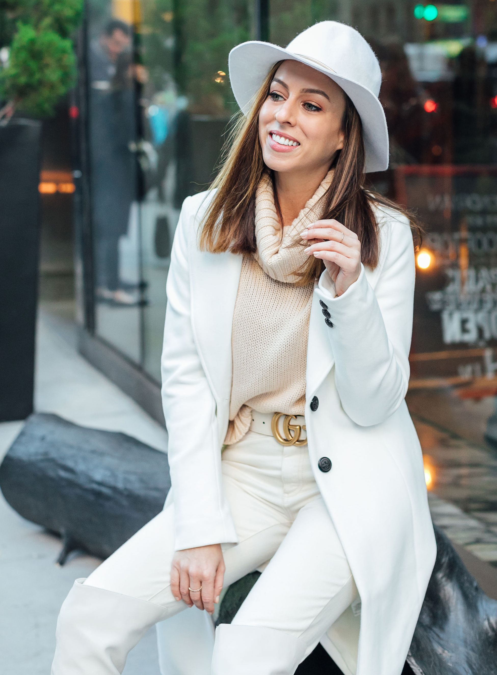 3 Tips For Wearing Winter White Sydne Style Hat Fashion Outfits With Hats How To Wear