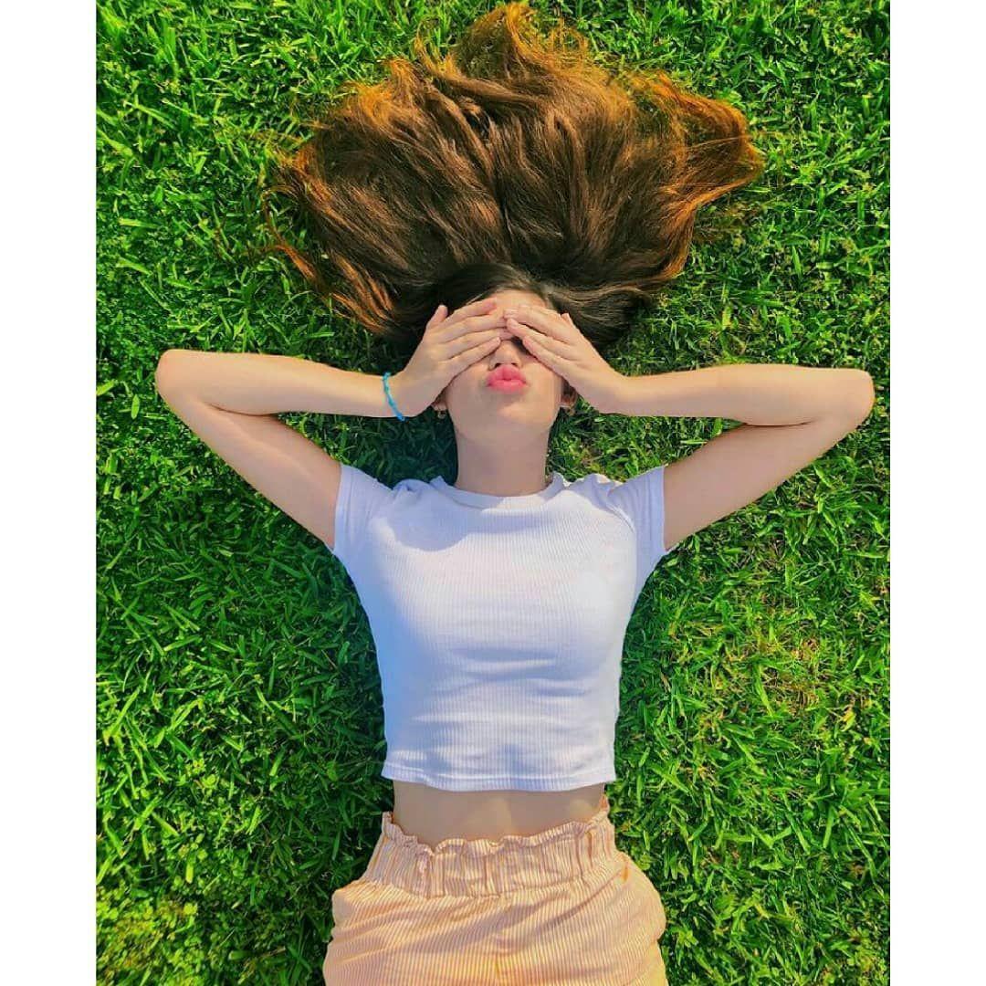 8 055 Likes 39 Comments Photo De Profil Photo De Profil00 On Instagram Photography Poses Women Portrait Photography Poses Model Poses Photography