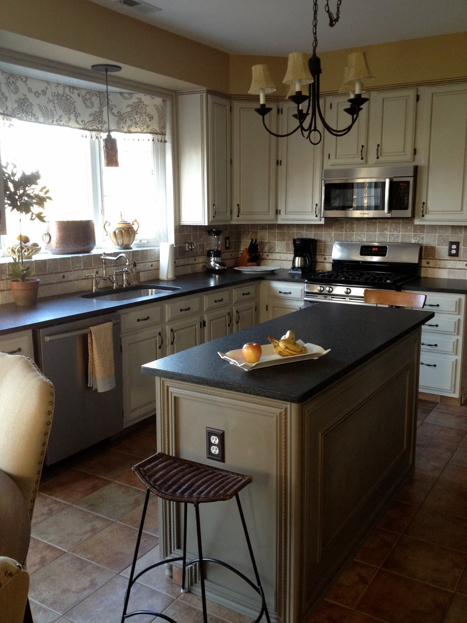 Pin by Kim Hammel on painted furniture Kitchen remodel