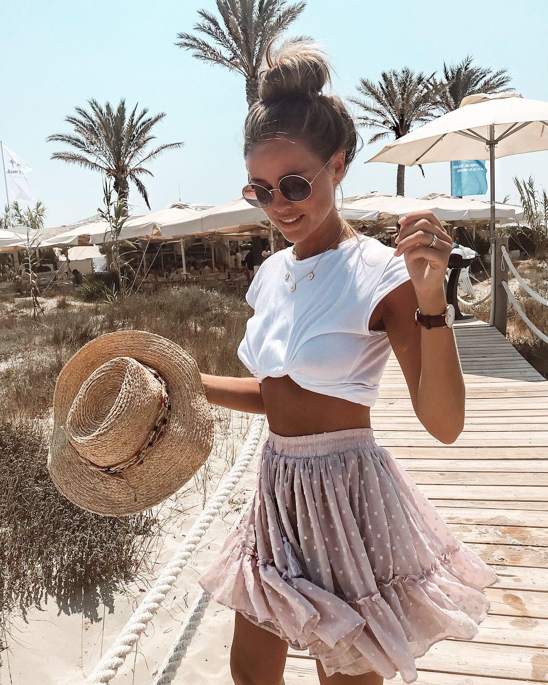 """Photo of Liz Kaeber på Instagram: """"[Anzeige] I dag☀️🌴 1, 2 eller 3? # lykkelig #me # sommer #ootd #fashion #style #love """""""
