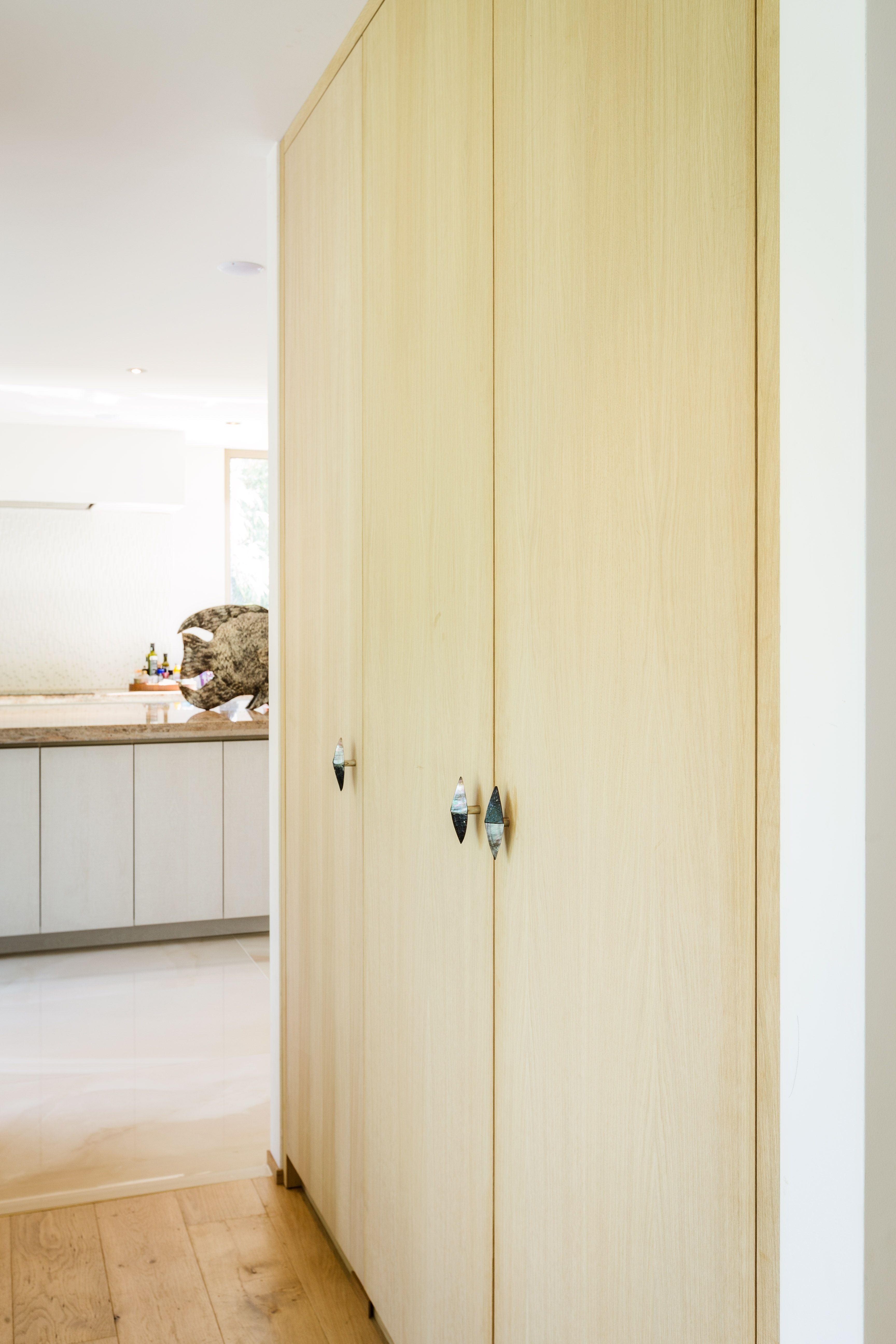 Placard bois massif moderne | Inspirations maisons modernes Dwelling ...