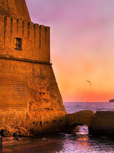 Sunset, Castel Dell'Ovo, Naples, Italy. 40°50′00″N 14°15′00″E