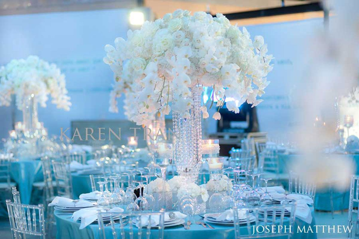 Table decorations blue mehomez com blue pinterest for Baby blue wedding decoration ideas