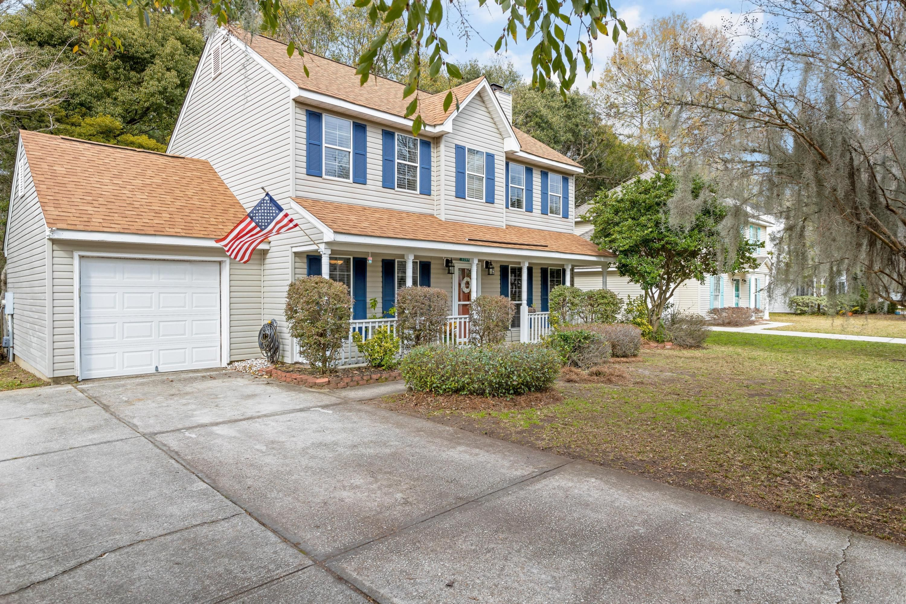 PERFECT LOCATION in Mt. Pleasant south of the IOP