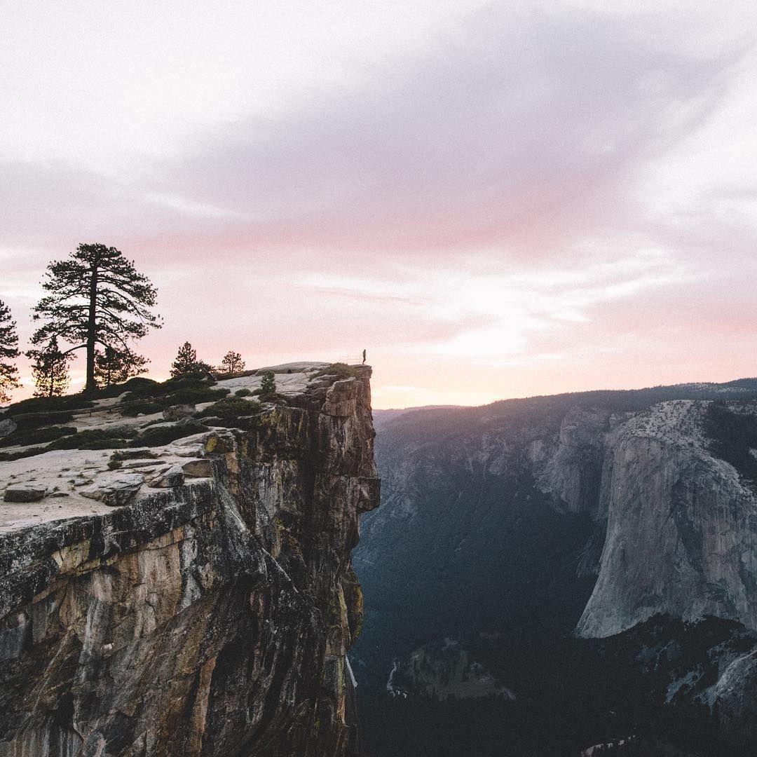 «stormy skies above Yosemite tonight.»