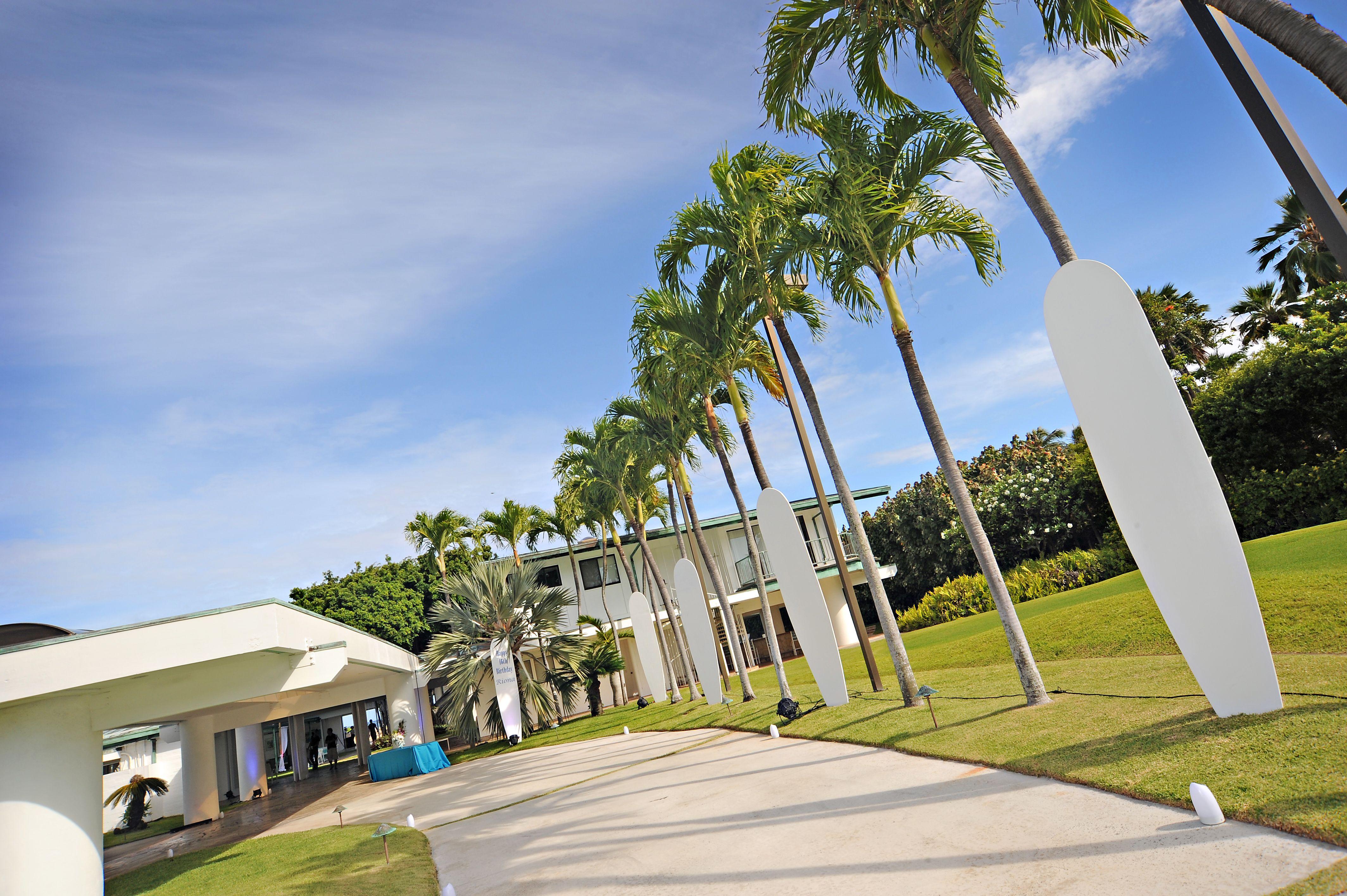 Eventaccents hawaiis top decor and event rentals