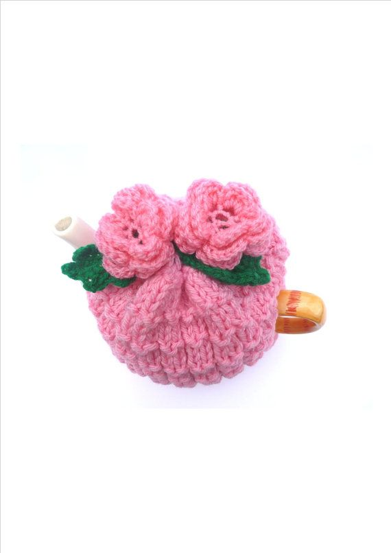 rose tea cosy cosie with pink base and pink crochet flowers | Tazas ...