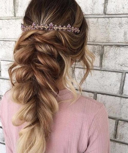 Elegant Prom Hairstyles 2018 With Pretty Headband Chic Hairstyles