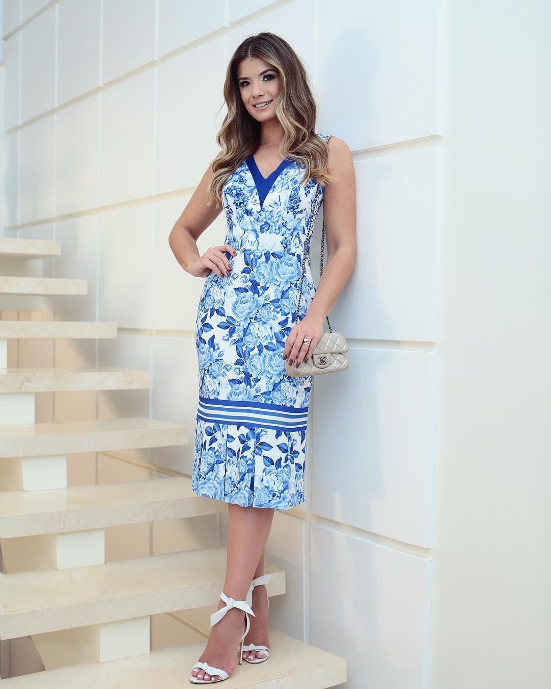 556cb4fd9 Vestido todo em renda, com nozinho no busto! Lindo demais.  www.maboboutique.com.br✓ #maboboutique #roupas #cloude | Ariane Canovas em  2019 | Dresses, ...
