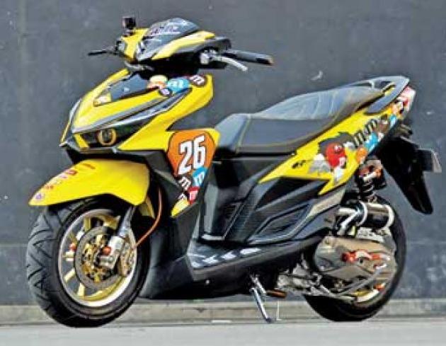 Modifikasi Honda Vario 125 Airbrush Anime Honda Sepeda Motor Motor