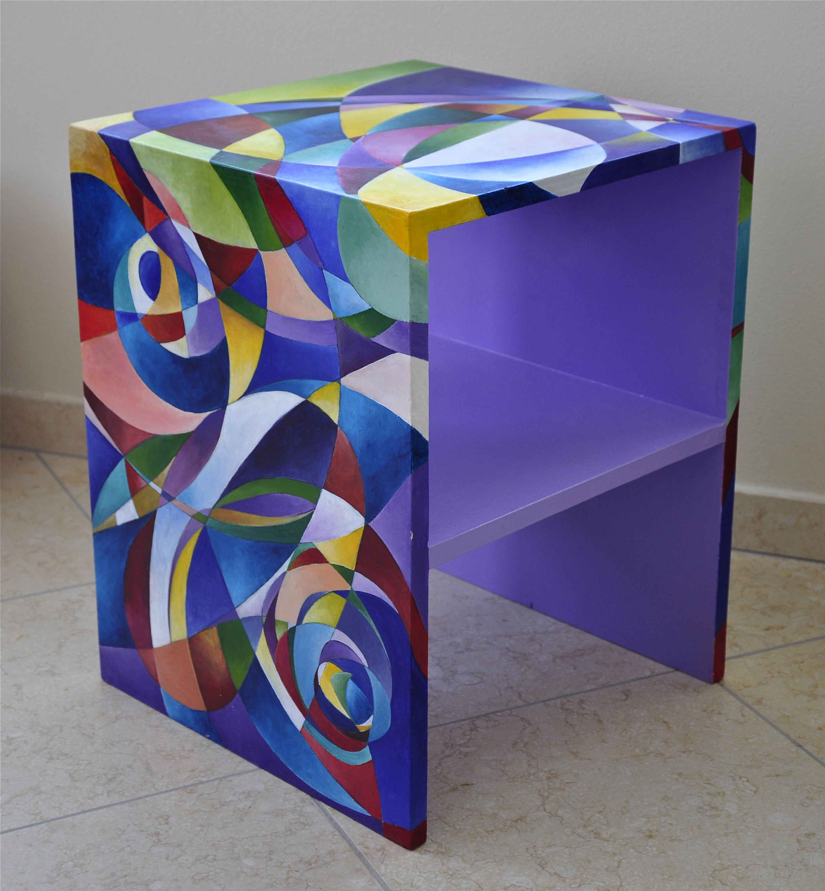 table Magazin, hand painted