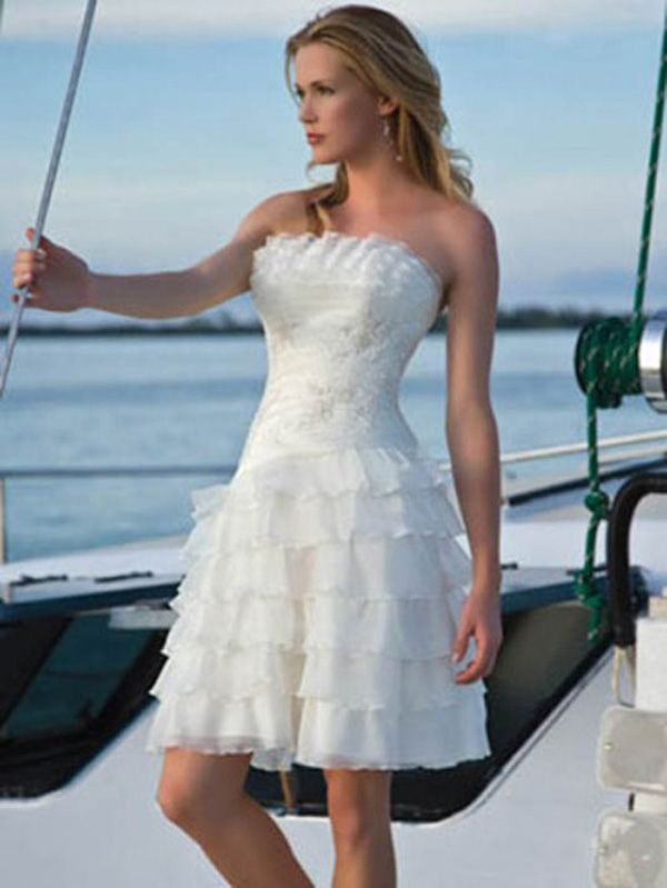 Casual short wedding dresses are one of wedding dress style which ...