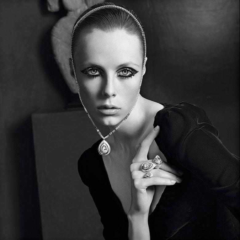 Photo Lara Stone & Edie Campbell by Inez & Vinoodh for Vogue Paris November 2015
