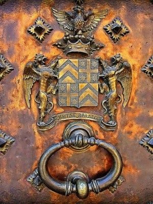 """Midieval Door Knocker. This would be perfect for my castle given my """"Griffin"""" named ancestors."""