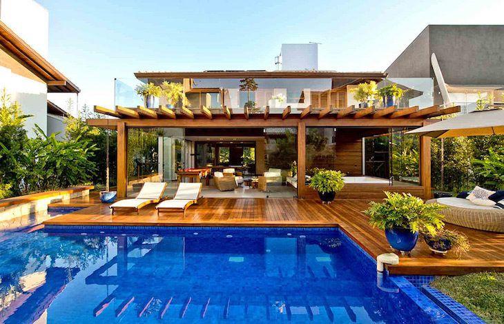 casa de madeira 46 projetos exuberantes com este nobre. Black Bedroom Furniture Sets. Home Design Ideas