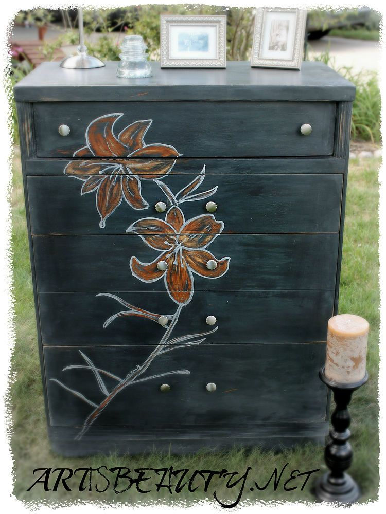 Come see my Dumpster DIVE turned Dumpster DIVA rescued Dresser in all her glory