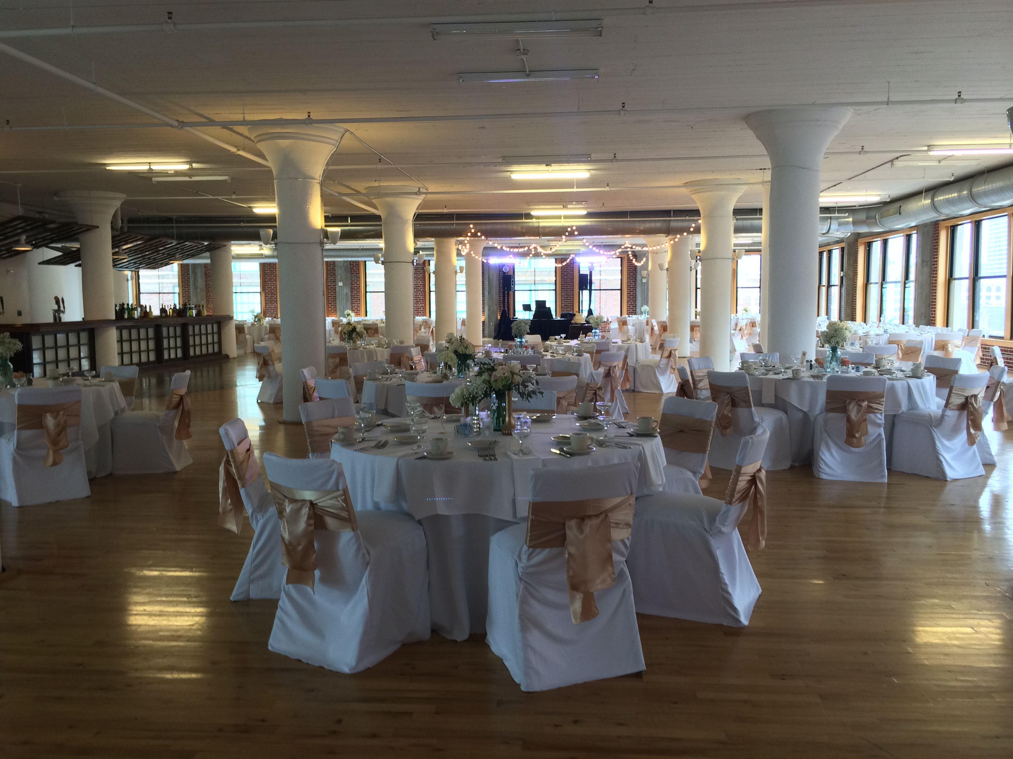 7th Floor Wedding Windows on Washington Table