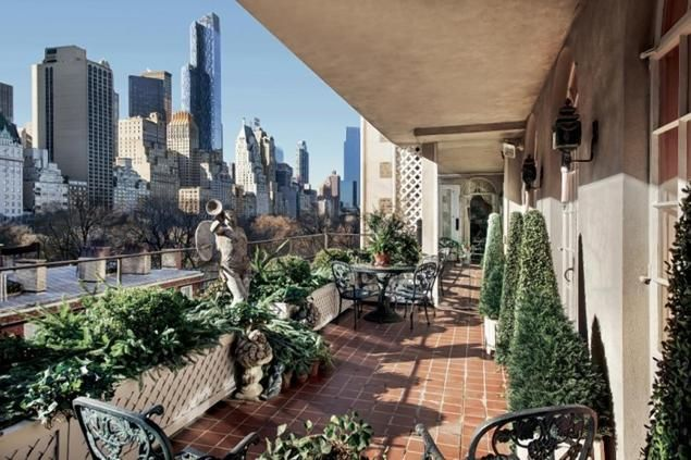 Joan Rivers Penthouse In NYC Is Back On The Market. Rare And Lovely Golden,  Gilded Columns And Details In The Ballroom And Music Room With 23 Foot  Ceilings.