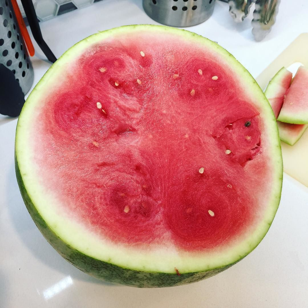 Bad news friends. Remember that I'm allergic to avocado and cantaloupe? Watermelon was in the same allergen family and I thought I was fine with it. But no. I am not. I am IN PAIN. WATERMELON WHY HAST THOU FORSAKEN ME?  #dailyphoto #365days #ig2016