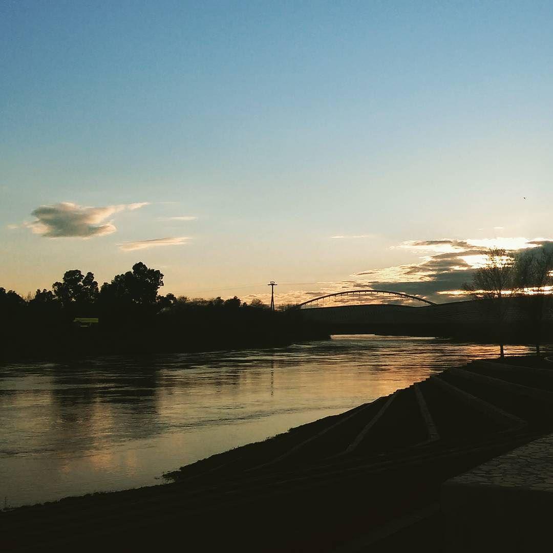 Atardecer en el rio Ebro #zaragoza by sorgaz_23