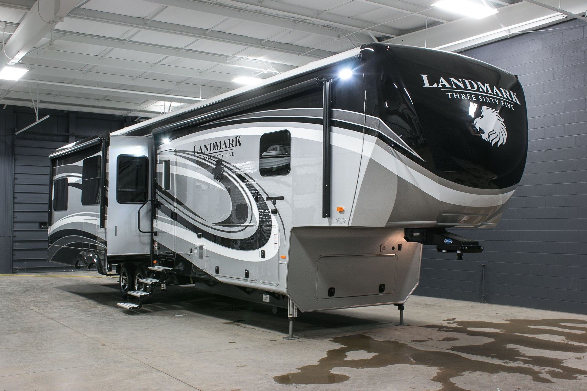Northern New Year's Events for RVers Luxury fifth wheel