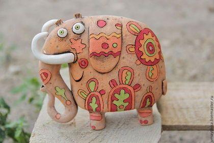 Рыжий слон - керамика ручной работы,статуэтка,глина,смешная игрушка,счастье