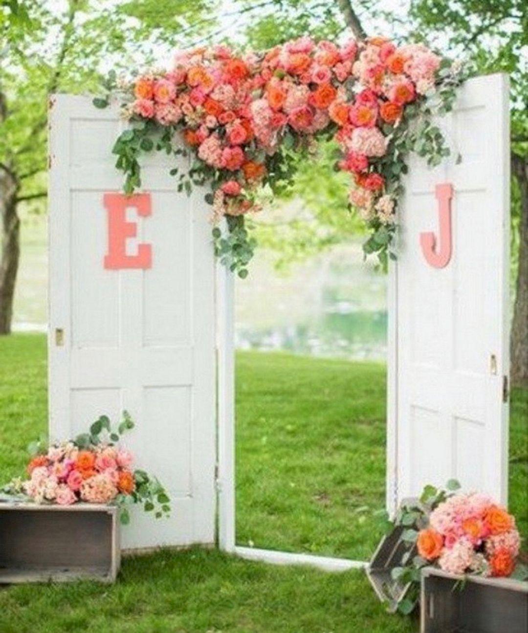 Outdoor Wedding Ceremony Doors: 20 Wonderful Vintage Door Wedding Backdrops Design Ideas