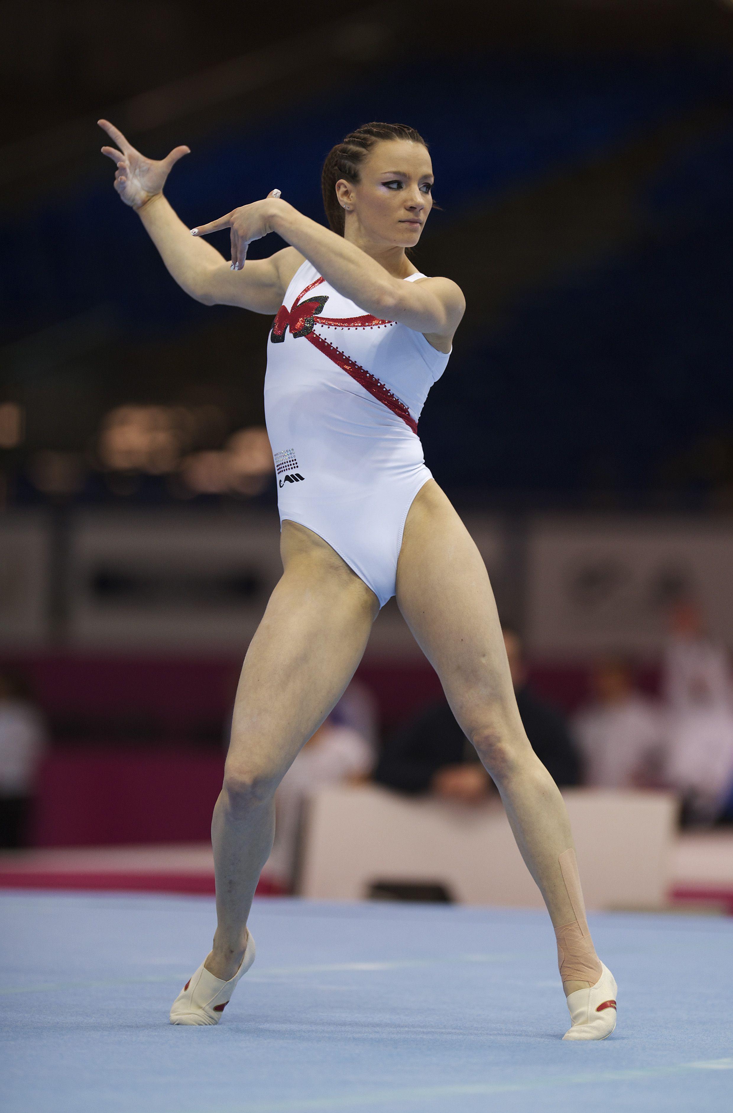 womens gymnastics pics tits