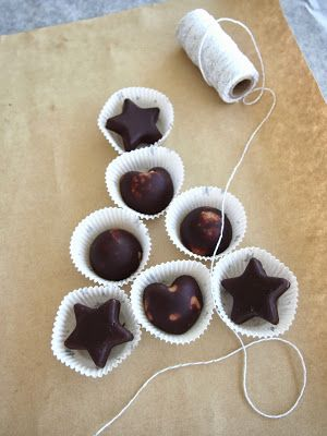 Healthy Peanut Butter Chocolates - Recipe at http://www.thewellnest.com.au/#!sweet/csep