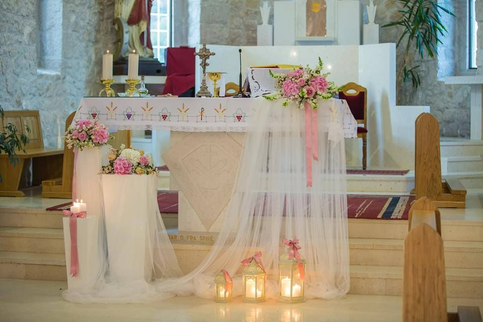 Sophisticated Contemporary Wedding Ceremony In: Wedding Arch Inside The Church