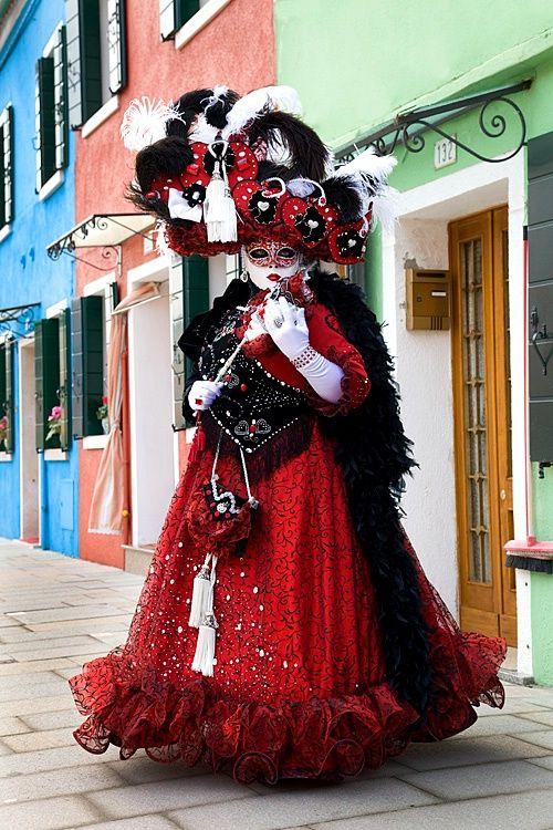 Carnivale mask & costume ~ 13967 - ID: 7943107 © Jim Zuckerman