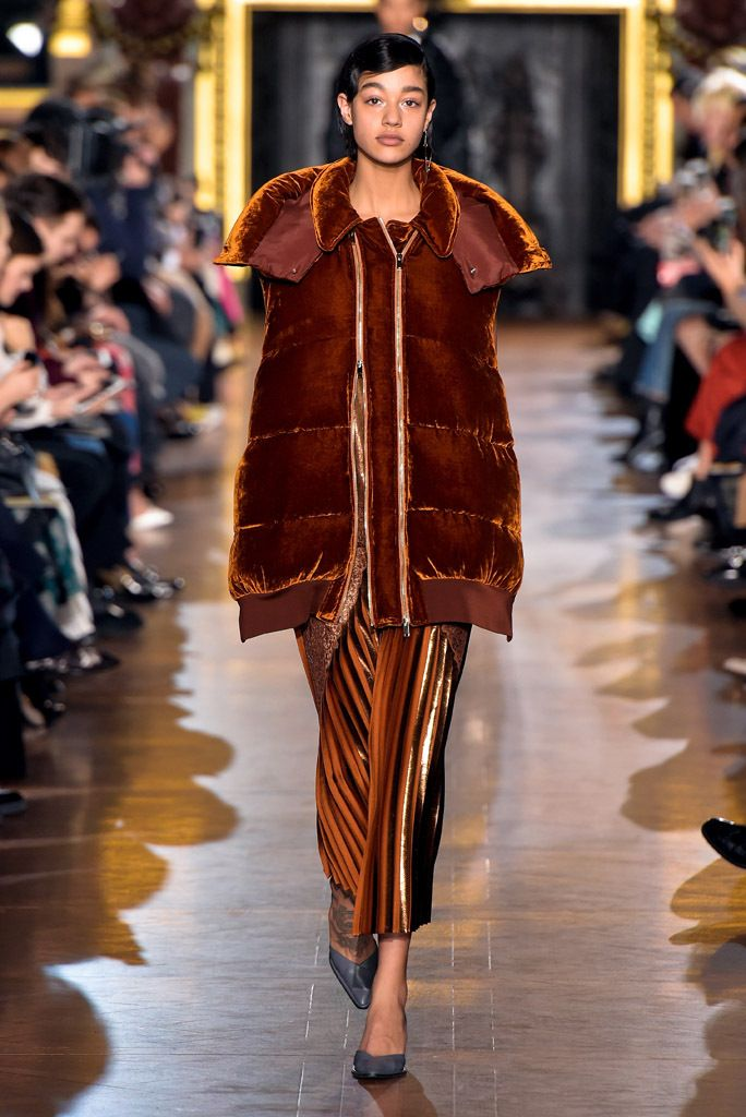 Stella McCartney RTW Fall 2016  d0a7b90efb2