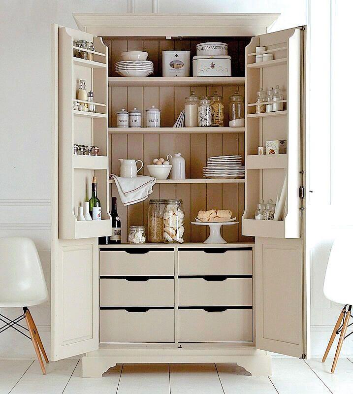 A cada plato su sitio muebles para lucir la vajilla pinterest armario cocinas y alacena - Mueble despensa cocina ...