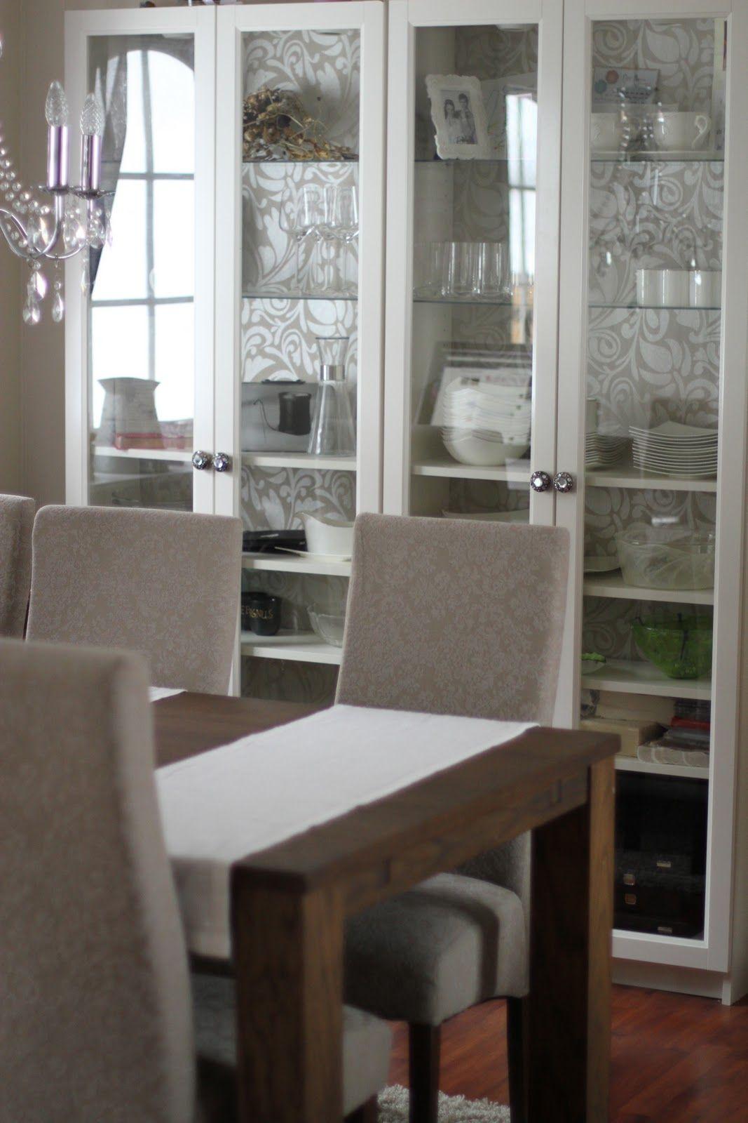 ikea billy with glass doors ikea pinterest wohnzimmer haus und garten und wohnideen. Black Bedroom Furniture Sets. Home Design Ideas