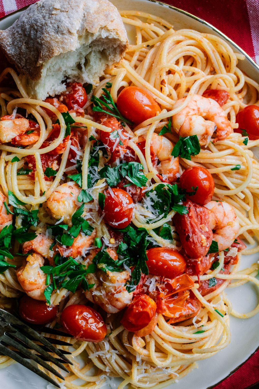 Pasta With Spicy Garlic Shrimp Burst Grape Tomatoes Ciao Chow Bambina Recipe Grape Tomato Recipes Roasted Tomato Pasta Spicy Shrimp Pasta