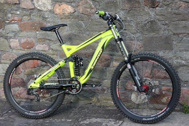 Identiti Mogul downhill bike