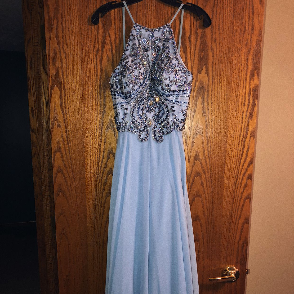 Beautiful Periwinkle Proms Dress A Few Sparkles On The Side Are Off But In Perfect Condition Rather Than That Alread Prom Dresses Dresses Prom Dresses Jovani [ 1242 x 1242 Pixel ]