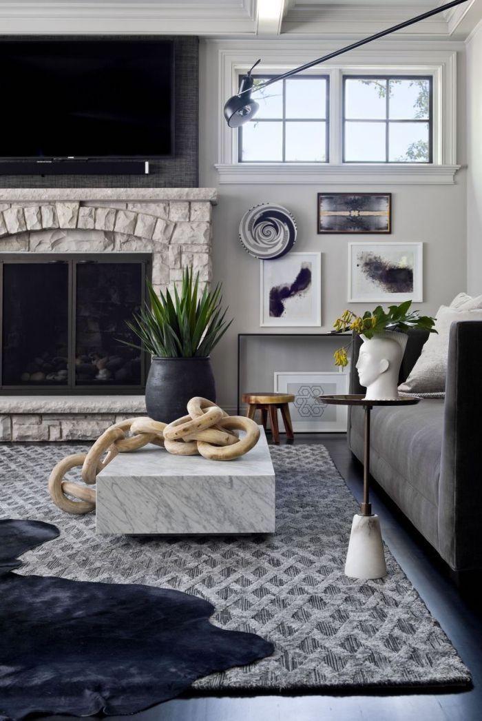 kaffeetishc in marmor look, dekoration aus holz, deko wohnzimmer