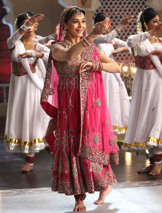 bollywood actresses in traditional dresses indian