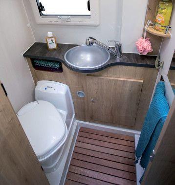 salle d eau avec wc et douche