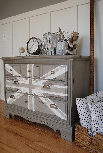 wow-another dreamy union jack dresser