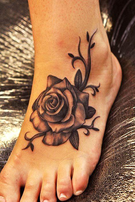 Tatouage Pied Fleur Ce Tres Beau Tatouage De Rose Realise Sur Le