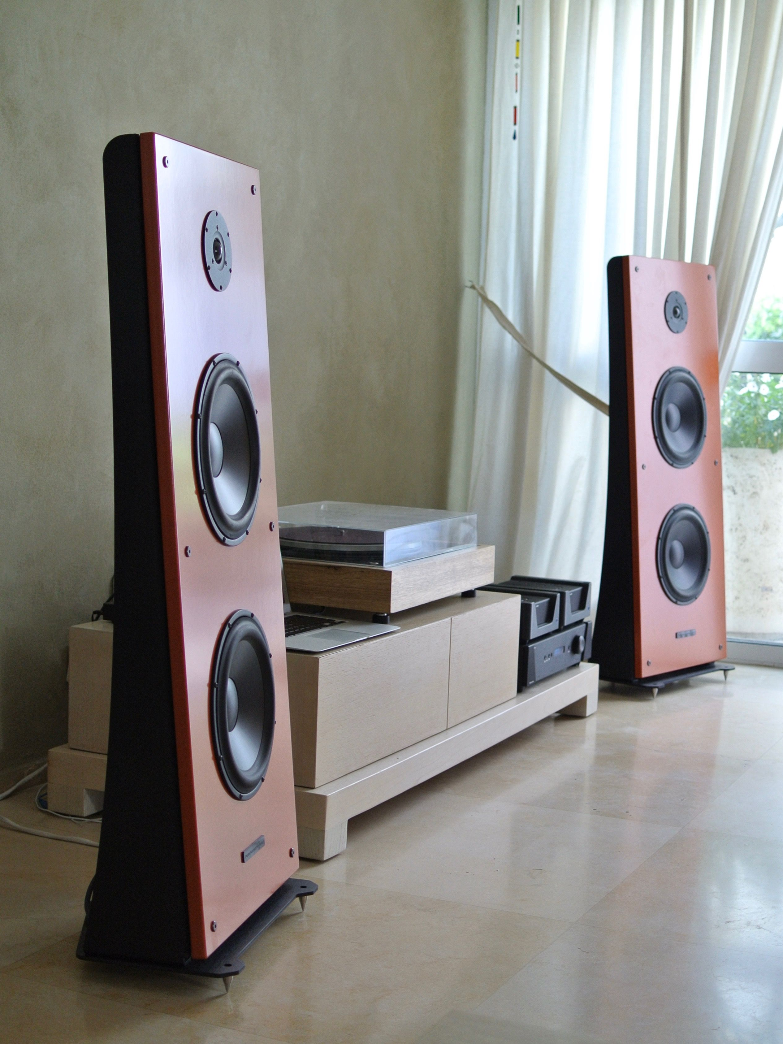 floor stand open baffle speakers, only 42cm wide, with Morel