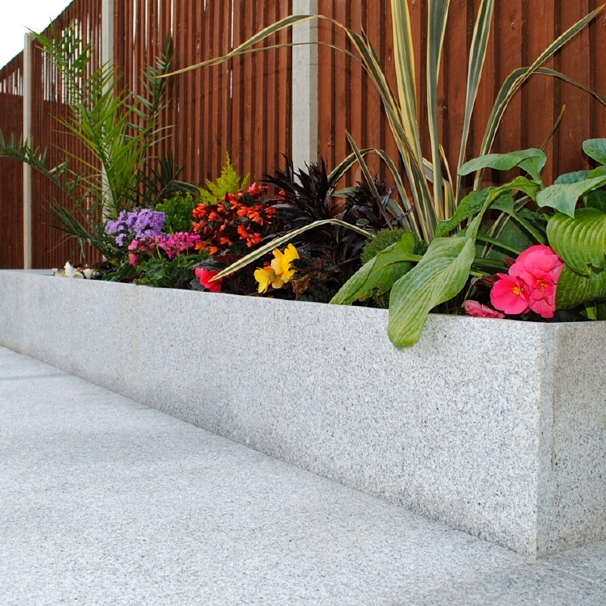stoneflairbradstone, natural granite paving silver grey 600 x