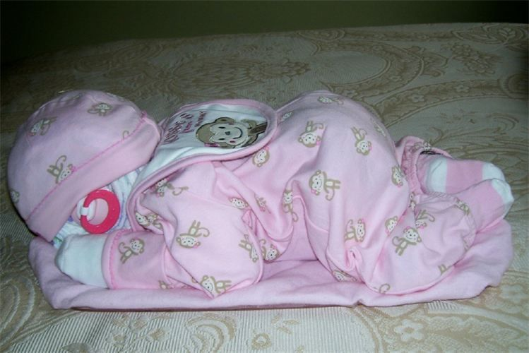 Sleeping Baby Diaper Cake Love This One Baby Stuff Pinte