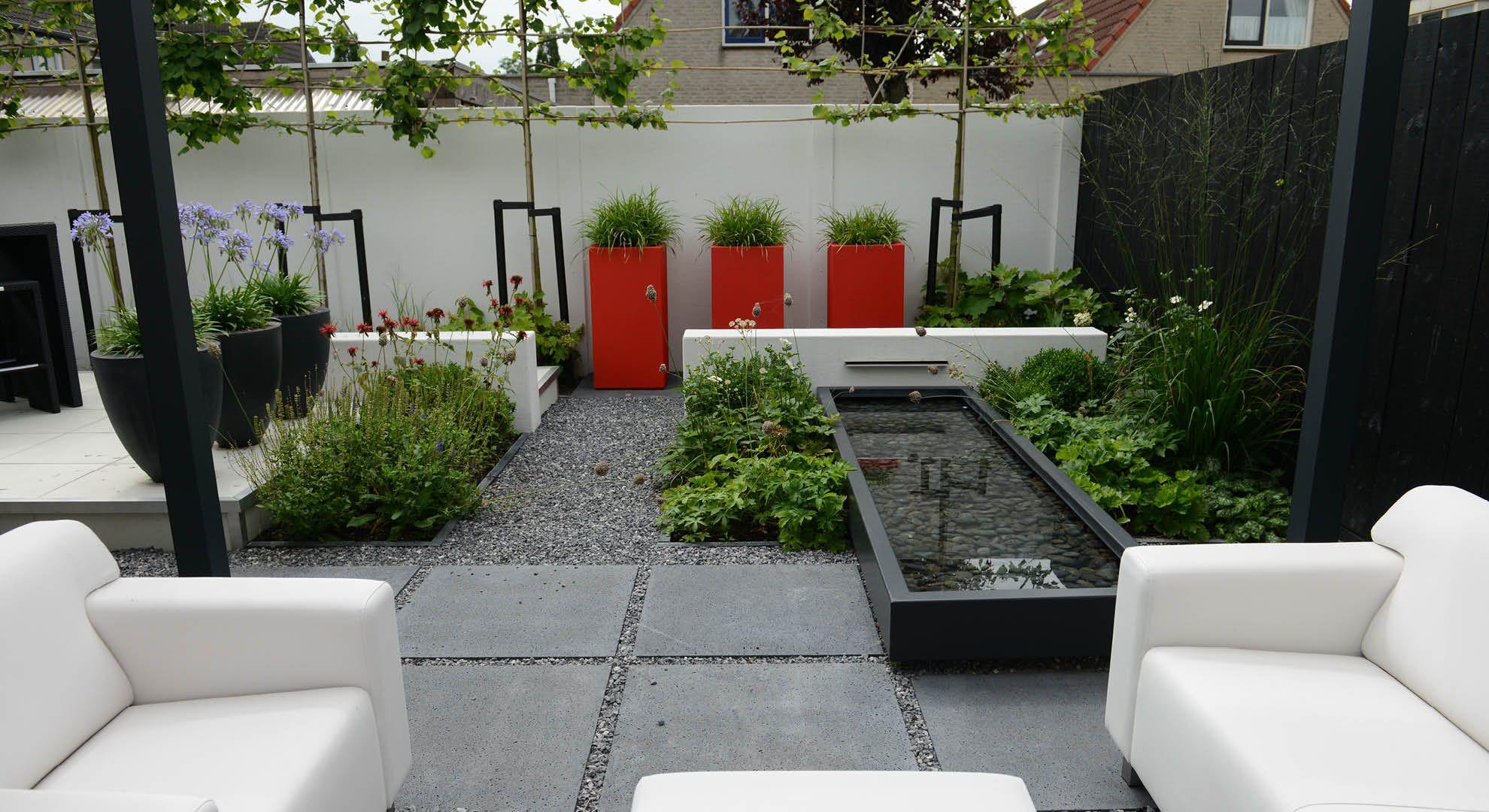 Moderne onderhoudsvriendelijke achtertuin foto 2 tuin pinterest onderhoudsvriendelijke - Moderne tuin foto ...