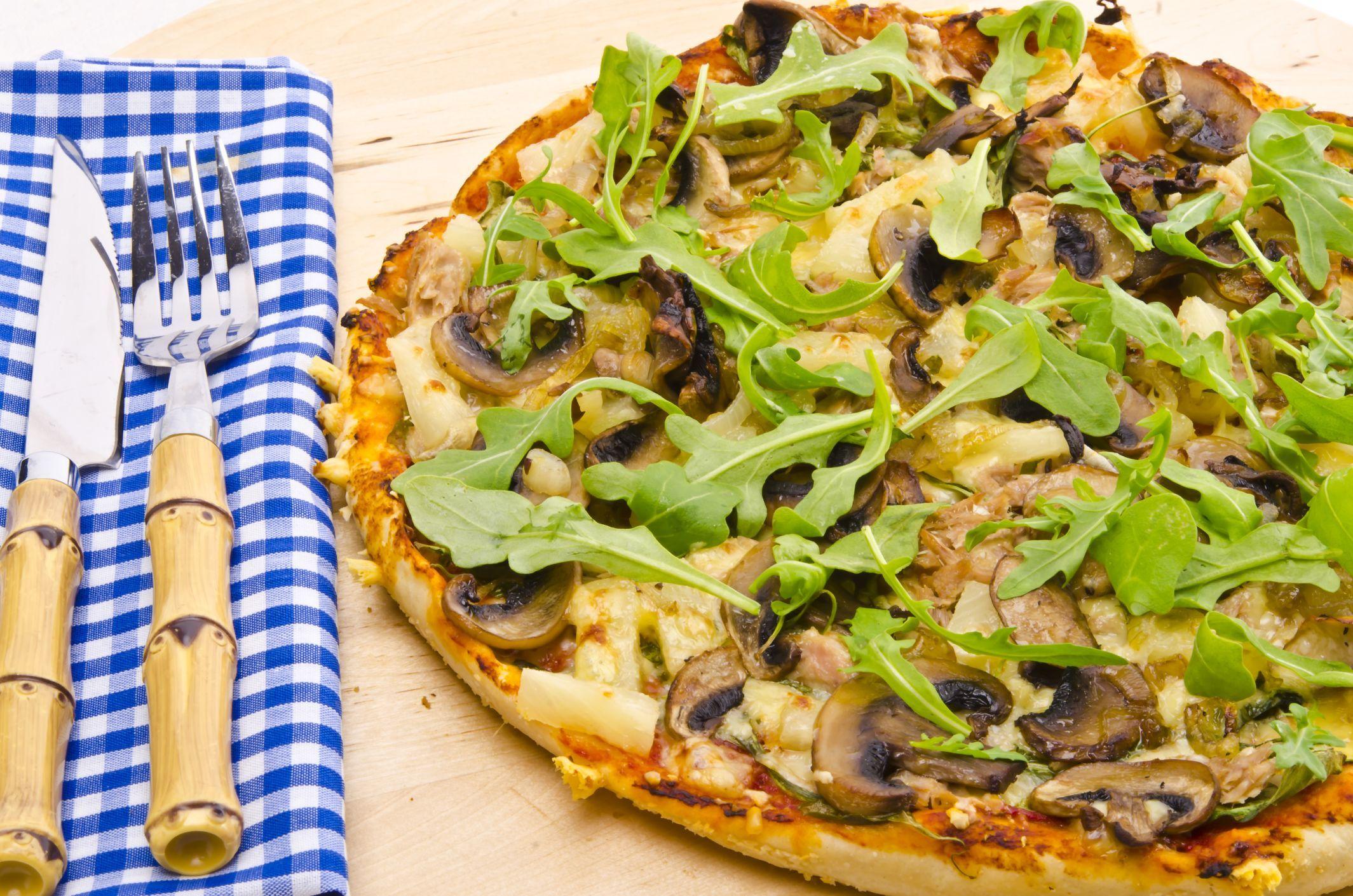 Pizzas De Campo Ideales Para Una Gran Cena Con Amigos Http  ~ Recetas Para Una Cena Con Amigos