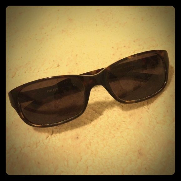 DKNY Sunglasses Brown authentic DKNY sunglasses are in great condition. Gently used. I no longer have the case. DKNY Accessories Sunglasses