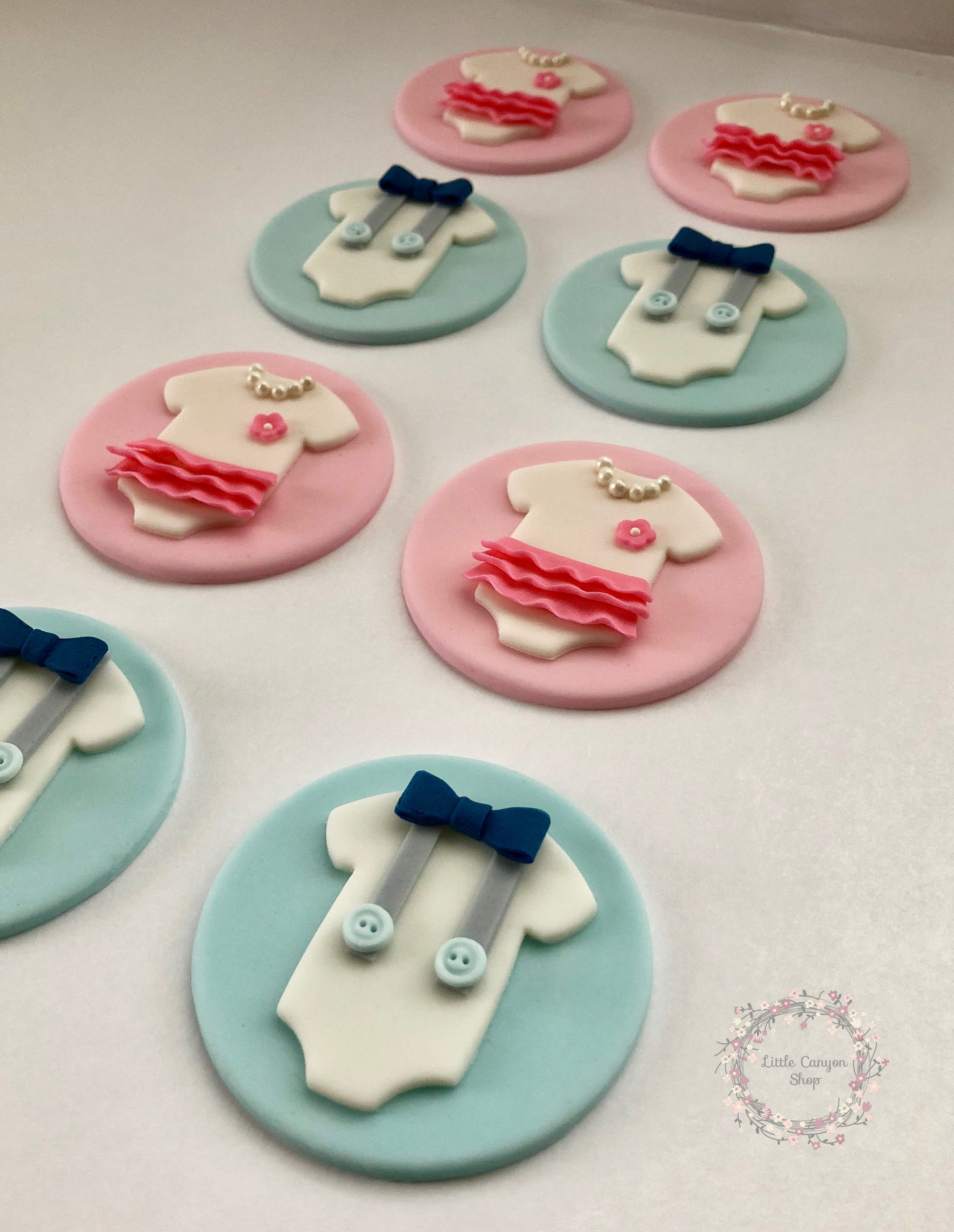 Baby Shower Fondant Cupcake Toppers Gender Reveal Toppers He Or She Baby Cupcake Toppers Baby Shower Cupcake Toppers Gender Reveal Cupcakes